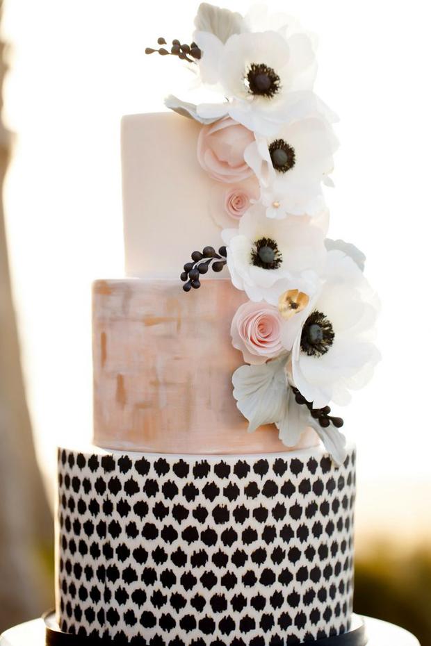 8blush-pink-wedding-cake