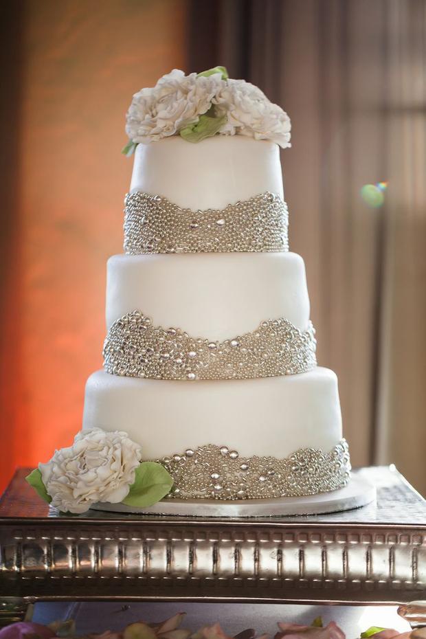 beaded-wedding-cake