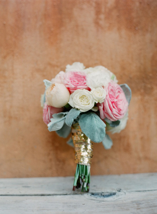 bridal-boquet-with-sequin-tie