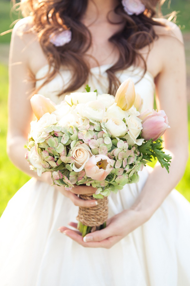 bridal-bouquet-with-rope-tie