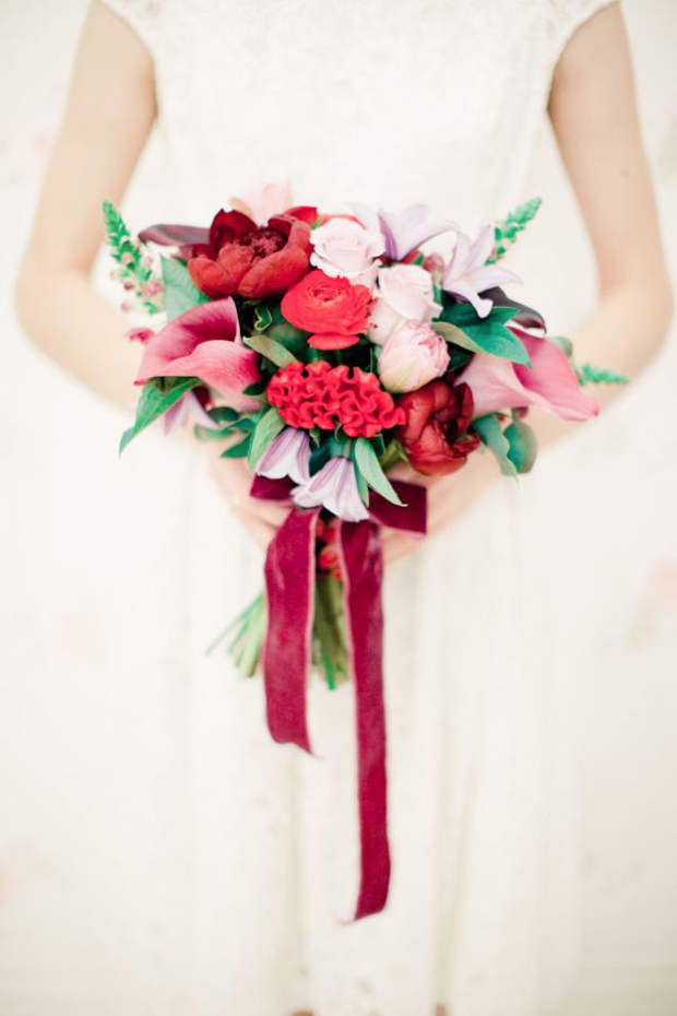 bridal-bouquet-with-velvet-ribbon-tie