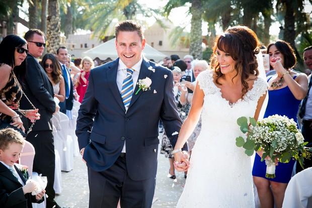 bride-groom-ceremony-exit-with-confetti-uae