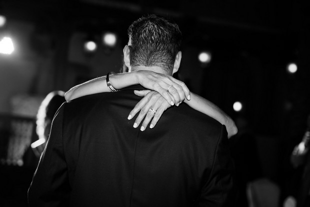 couple-first-dance