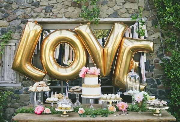 gold_love_balloon_letters_dessert_table_Wedding