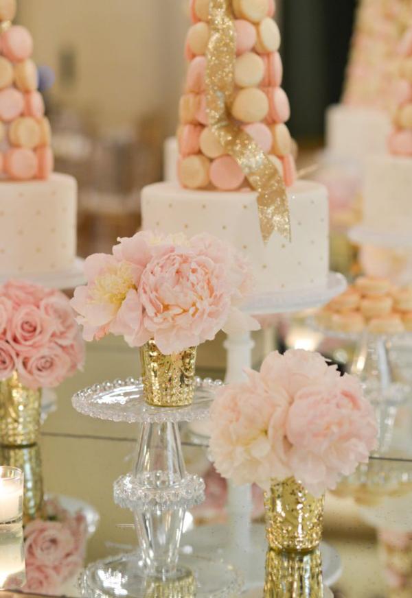 macaron-dessert-table-display