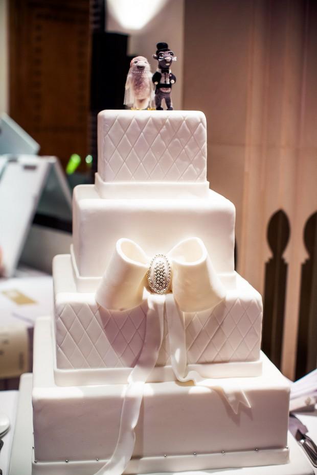 traditional-white-wedding-cake-with-diamante-bow