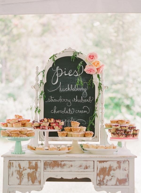 wedding-dessert-bar-pie-station