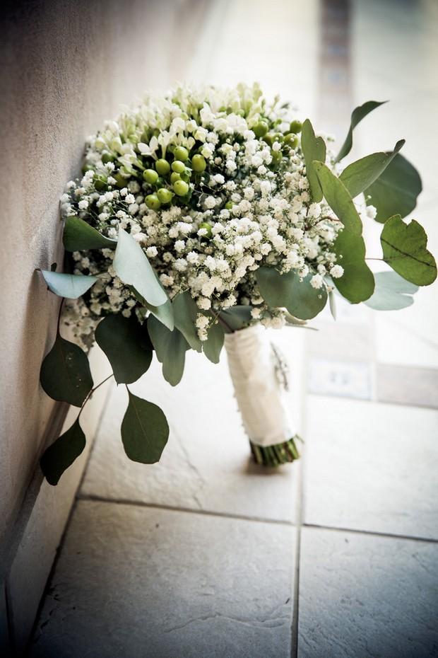 wedding-flowers-baby's-breath