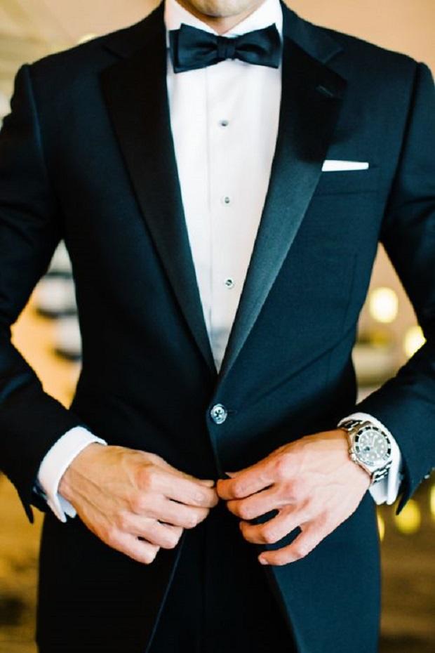 wedding attire for UAE groom