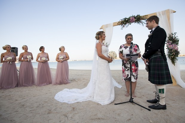 beach-ceremony-dubai-real-wedding