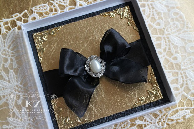 black-gold-ornate-wedding-invite-uae