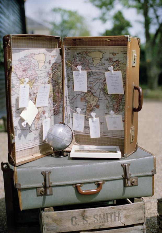 vintage-suitcase-wedding-table-plan