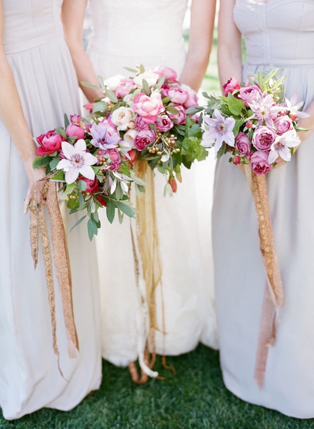 wedding-bouquets-with-ribbon-ties