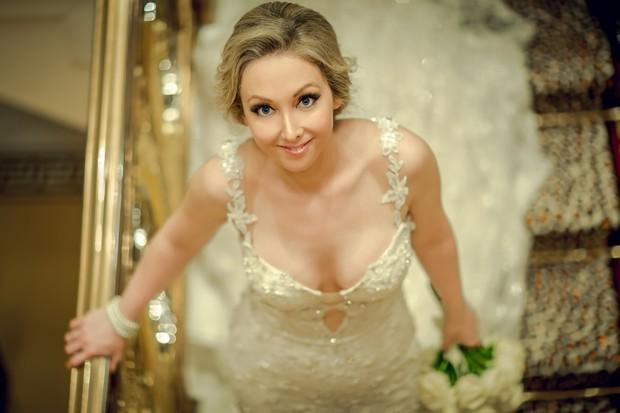 UAE_real_wedding_Jumeirah_Beach_Hotel_and_Burj_al_Arab_bride2