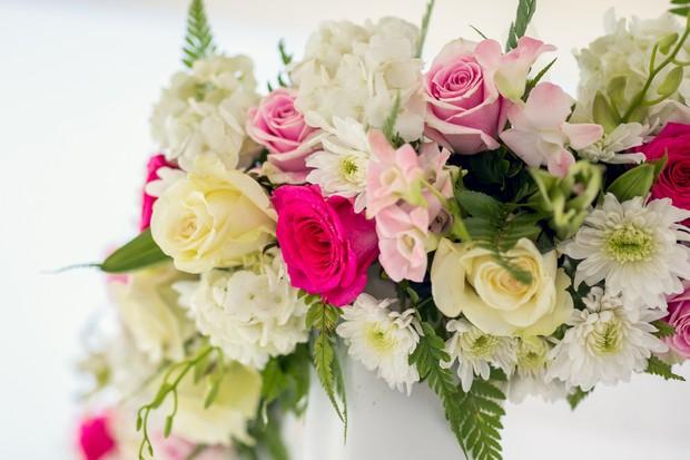 UAE_real_wedding_bridal_bouquet