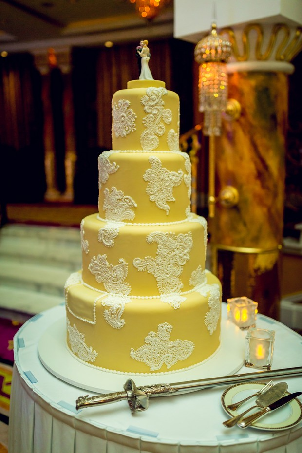 UAE_real_wedding_yellow_and_white_wedding_cake