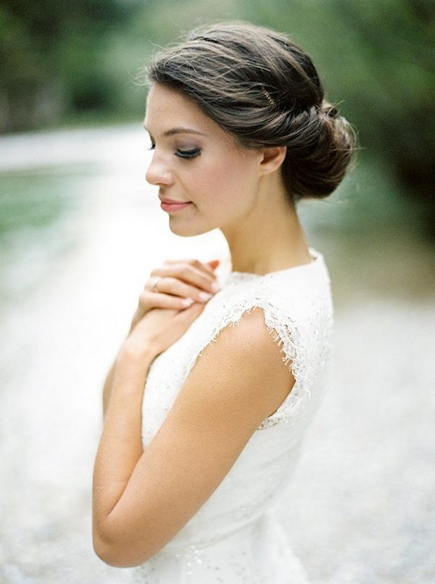 wedding-hairstyle-rolled-chignon