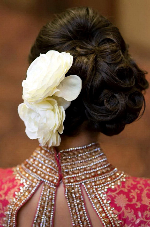 wedding-hairstyles-wavey-updo