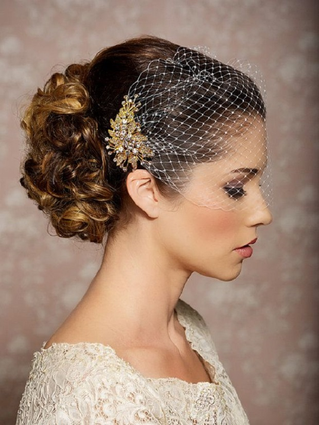 bridal veil and comb via etsy