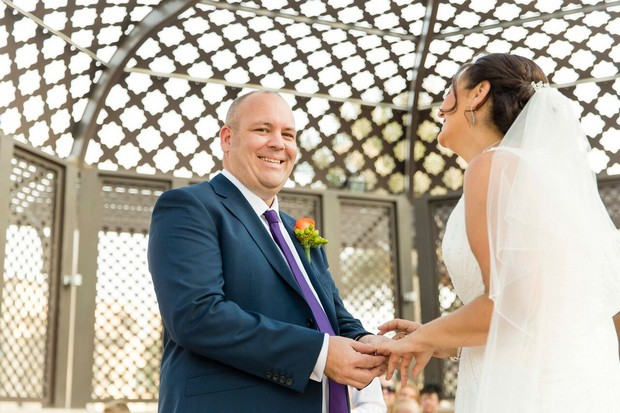 dubai-real-wedding-bride-and-groom-holding-hands