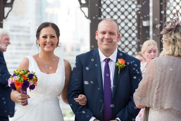 dubai-real-wedding-bubbles-ceremony-exit