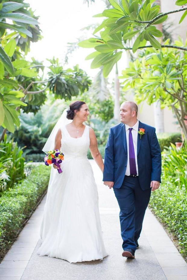 dubai-real-wedding-groom-and-bride-walking
