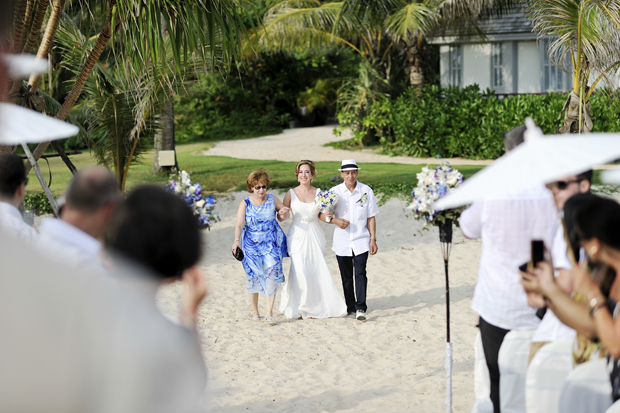 beach-wedding-thailand-bride-ceremony