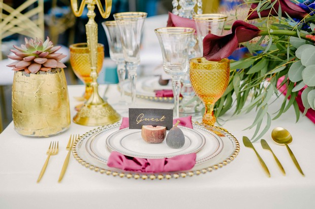 luxurious-wedding-photo-shoot-UAE-elegant-place-setting