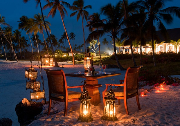 Top 10 luxury honeymoon destinations for Top 10 places to go on your honeymoon