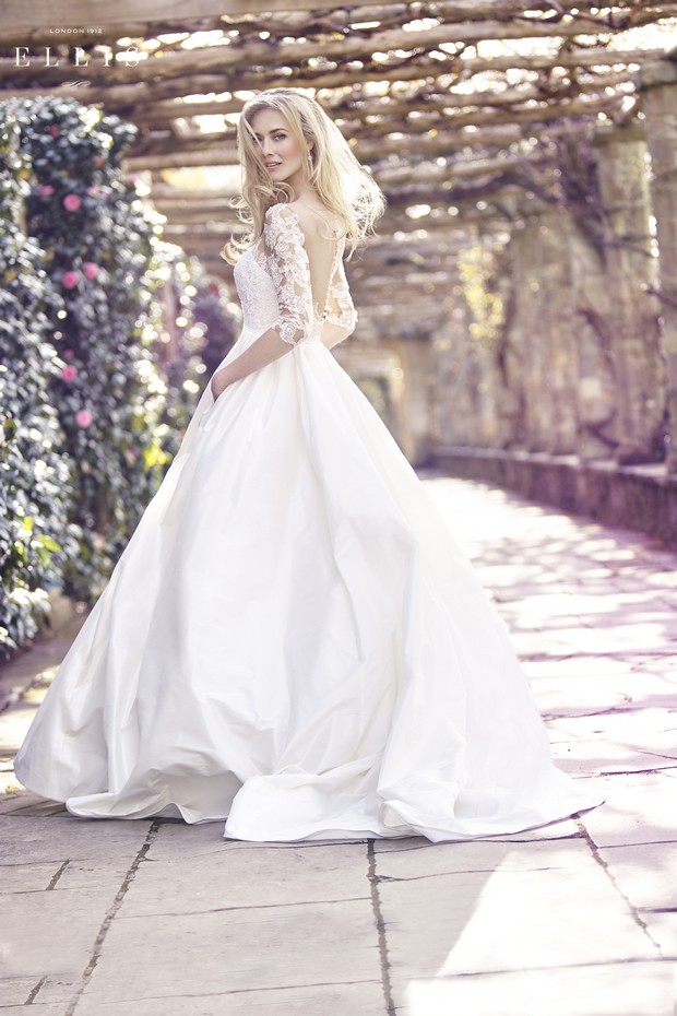 wedding-dress-with-lace-sleevs-the-bridal-showroom-UAE