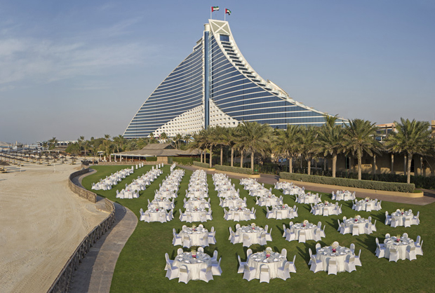 Jumeirah_Beach_Hotel_-_Events_Arena_-_Dinner_Set-up_-_Hotel_Background-weddings