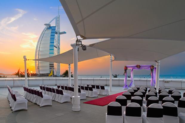 Jumeirah_Beach_Hotel_Dubai-Sunset-Deck_ceremony-Space