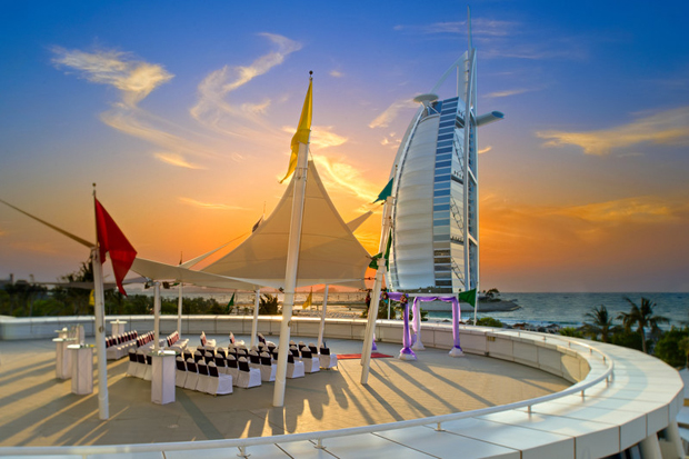 7 idyllic spots to tie the knot at jumeirah beach hotel for Best hotels in dubai for couples