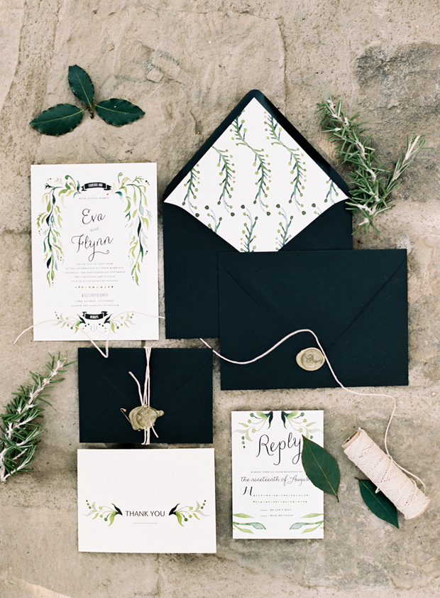 black-botanical-wedding-invitation