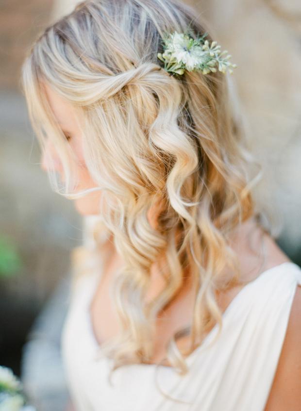 half-up-half-down-wavy-wedding-hairstyle