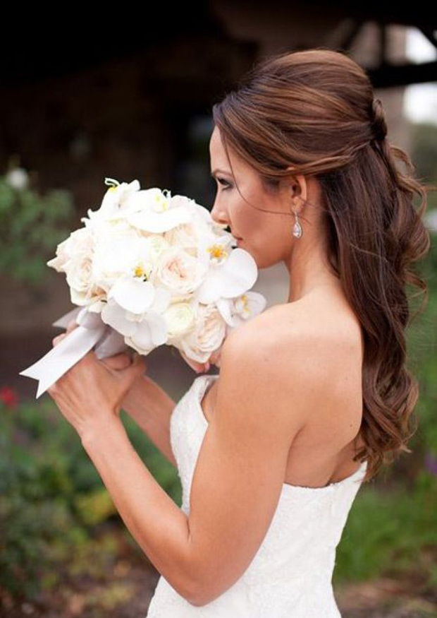 voluminous-half-up-half-down-wedding-hairstyle