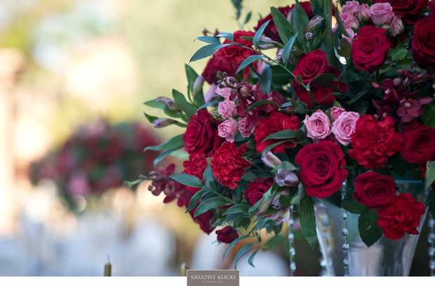 uae-wedding-pink-and-red-elegant-centerpieces