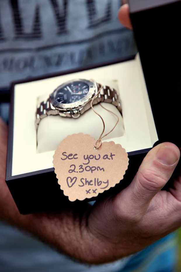 sweet-wedding-morning-gift-ideas-for-couples-watch-withdont-be-late-message