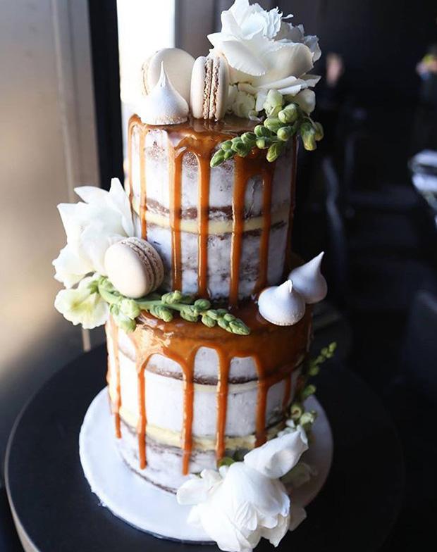 Rustic Drip 2017 Wedding Cake Trends