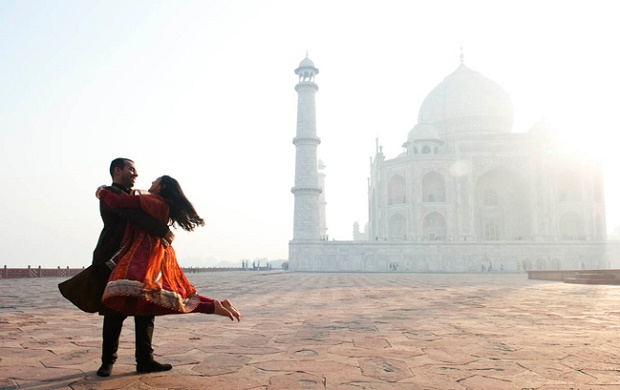 Dubai couple honeymooning in India