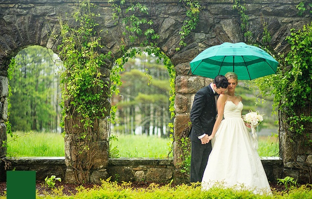 How To Avoid Disasters At Your Outdoor Wedding: 7 Common Wedding Disasters And How To Avoid Them