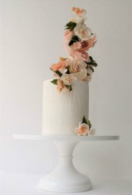 Dramatic Floral Cake