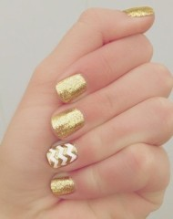 Dramatic Gold Nails