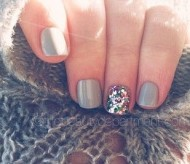 Grey Manicure & Rainbow Sparkle