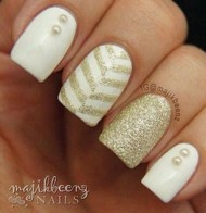 Patterned Gold Nails