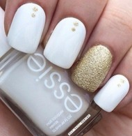 White & Gold Nails